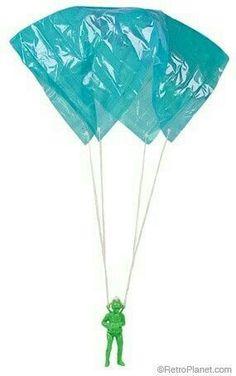 25 Popular Vintage Children's Toys petit soldat et son parachute. 90s Childhood, Childhood Memories, Retro Toys, 1960s Toys, Ol Days, Kids Toys, Children's Toys, Sweet Memories, Classic Toys