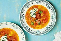 Zelňačka s klobásou - Recepty.cz - On-line kuchařka Thai Red Curry, Ethnic Recipes, Food, Eten, Meals, Diet