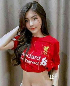 Football Girls, Football Outfits, Cute Asian Girls, Cute Girls, Liverpool Girls, Beautiful Girl Image, Young Models, Sexy Jeans, Girls Image