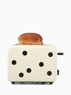 deco dot two slice toaster by kate spade new york Kitchen Design, Kitchen Decor, Kitchen Ideas, Kitchen Tools, Kitchen Collection, Eating Raw, Small Kitchen Appliances, Home And Deco, Kitchen Essentials