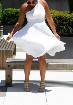 There's so many ways and places you can wear a white dress too. Grab inspiration from our editor's favorite looks. Summer Holiday Dresses, Summer Dresses, Casual Chic Summer, All White Party, White Fashion, Every Woman, World Of Fashion, Chic Outfits, Beautiful Dresses