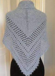 """Organdi """"sparkling"""" scarf in a longer version - Everything About Knitting Crochet Cardigan, Knitted Shawls, Knitted Blankets, Crochet Shawl, Knitting Stiches, Crochet Stitches, Knitting Patterns, Crochet Patterns, Crochet Diy"""