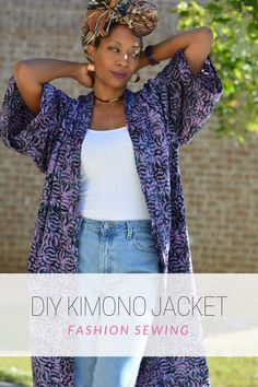 Quick and easy diy fall kimono coat. No pattern required and a super simple sewing project to make in your favorite fabric. It's perfect in cooler months and roomy enough to layer. Breezy in warmer months. Make a great beach coverup or belt it closed to w Kimono Diy, Motif Kimono, Kimono Tutorial, Fall Kimono, Kimono Sewing Pattern, Kimono Coat, Diy Clothes Tutorial, Diy Clothing, Sewing Clothes