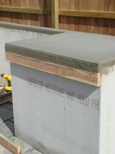 Kitchen Countertops DIY concrete counter-tops…best tutorial for this I have seen Outdoor Kitchen Countertops, Diy Concrete Countertops, Custom Countertops, Laminate Countertops, Bathroom Countertops, Concrete Projects, Concrete Patio, Stained Concrete, Poured Concrete
