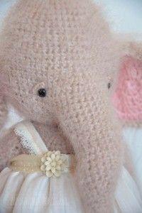 szydełkowy słoń - zapomniane zabawki