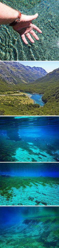 Le lac bleu en Nouvelle Zélande, vision à 80m sous l'eau