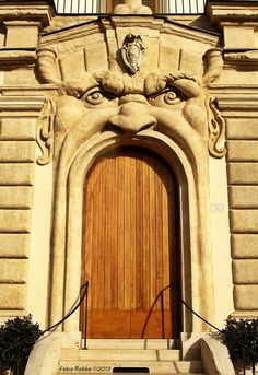 Monster House Casa Zuccari Roma   #TuscanyAgriturismoGiratola