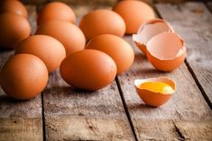 13 ingrédients pour remplacer les oeufs - healthymood Egg Benefits, Coconut Benefits, Agar Agar, High Cholesterol Levels, Perfect Eggs, Wellness Mama, High Protein Breakfast, Substitute For Egg, Fat Burning Foods