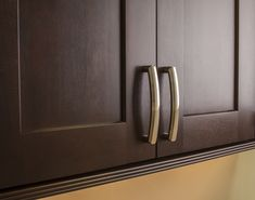 Delgado cabinet pull from Jeffrey Alexander by Hardware Resources