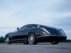 The Maybach Exelero Sports Coupe is the world's most outrageous in appearance, most outrageous in performance, and most outrageous in price - only 8 million dollars. Maybach Exelero, Mercedes Benz Maybach, Sports Car Wallpaper, Daimler Ag, Top Cars, Expensive Cars, Bike Design, Transportation Design, Car Wallpapers