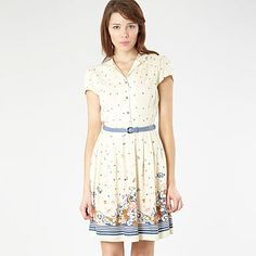 Tea dress, cream roses, Henry Holland at Debenhams. Cream Flowers, Cream Roses, Henry Holland, Debenhams, School Fashion, Spring Dresses, Pretty Dresses, Dress Up, Short Sleeve Dresses