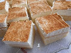 North German sour cream cake by Dessert Simple, Donut Recipes, Cake Recipes, Dessert Recipes, Paleo Dessert, Churros, No Bake Desserts, Easy Desserts, Cookies Roses