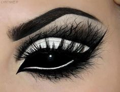 pretty makeup, the scelara lenses ruin it, but pretty nonetheless....
