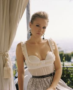 Kristen Bell - this outfit is great :)