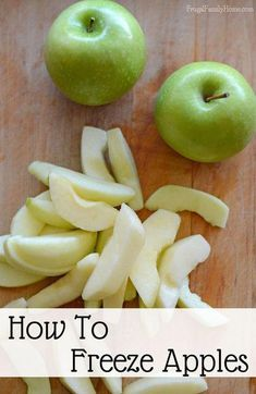 When I can get apples at a great price I stock up and add them to the freezer. really easy to do and if you know my secret you can keep your apples from turning brown in the freezer. These freezer apples are great in all kinds of apple recipes. Freezing Fruit, Freezing Vegetables, Fruits And Veggies, Freezing Apples For Pie, Cooking With Apples, Freezing Onions, Frozen Meals, Frozen Fruit, Frozen Apple