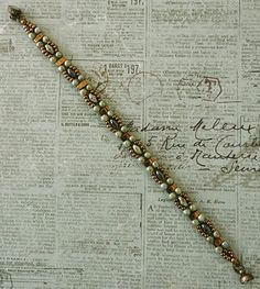 Linda's Crafty Inspirations: Bracelet of the Day: Double Trestle Bands Bead Jewellery, Jewelry Making Beads, Jewelry Making Supplies, Beading Jewelry, Beaded Jewelry Patterns, Bracelet Patterns, Bead Patterns, Vintage Jewelry Crafts, Handmade Jewelry