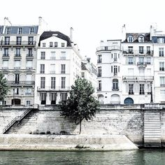 Happy Weekend Images of Inspiration {Cool Chic Style Fashion} Places To Travel, Places To See, Midnight In Paris, Happy Weekend Images, Pont Paris, Magic Places, Cities, Destinations, Belle Villa