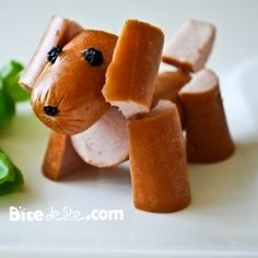 This is a real hot dog. It adds more fun when we eat hot dogs. Can we make more animals with hot dog?