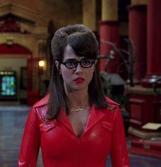 Velma Scooby Doo, Velma Dinkley, Freaks And Geeks, Leather Dresses, Celebs, Celebrities, Tennis Players, Redheads, Movie Tv