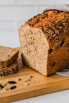 Bake spelled whole grain bread yourself - Brot Custom Chocolate, Chocolate Brands, Chocolate Packaging, Whole Grain Bread, Churro, Food Packaging, Mellow Yellow, Food Design, Food Gifts