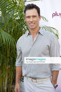 July 23, 2011 Hollywood, Florida, U.S Actor JEFFREY DONOVAN at Zo s Summer Groove Charity Red Carpet For Celebrity Concert Featuring singers Alicia Keys and Singer Cee Lo Green ZUMAsd3_ | Stockfoto bei IMAGO lizenzieren Hollywood Florida, Jeffrey Donovan, Alicia Keys, Charity, Singers, Red Carpet, Polo Shirt, Polo Ralph Lauren, Celebrity