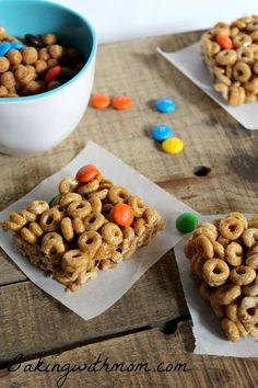 Caramel Cheerios Bars are a simple step dessert. Made with only a few ingredients, these bars, rich with caramel and chocolate will be perfect for a school treat.