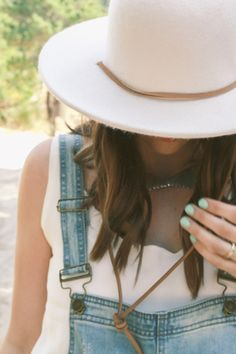 What Tegan Wore // Lulu*s in the Dunes — Treasures & Travels Hippie Chick, Cool Style, My Style, Cool Hats, My Outfit, Outfit Ideas, Playing Dress Up, Get Dressed, Everyday Fashion