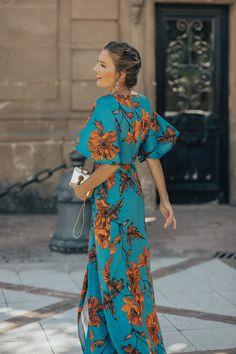 Beach Dresses, Cute Dresses, Vintage Dresses, Summer Dresses, Moda Mania, Party Dress Outfits, Feminine Dress, Fashion 2020, Dress To Impress
