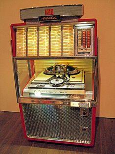 AMI Multi-Horn High Fidelity 200 Play Jukebox - www.remix-numerisation.fr - Rendez vos souvenirs durables ! - Sauvegarde - Transfert - Copie - Restauration de bande magnétique Audio - MiniDisc - Cassette Audio et Cassette VHS - VHSC - SVHSC - Video8 - Hi8 - Digital8 - MiniDv - Laserdisc