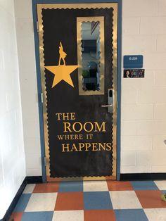 Classroom Door Decorating Ideas, Classroom Door Displays, Teacher Door Decorations, History Classroom Decorations, Classroom Decor Themes, Classroom Design, Classroom Ideas, High School Classroom, Music Classroom