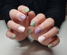 Bianco verde e lilla: i colori di punta di questa primavera estate 2019 in una combinazione di tonalità molto particolare, per una manicure bizzarra, ma trendy. Manicure, Nails, Primavera Estate, Nail Art, Beauty, Green, Nail Bar, Finger Nails, Ongles