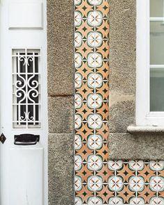 . Lisboa, Portugal  - #lisboa #portugal #tileaddiction #azulejos #home #architecture #travel #travelgram #kinfolk #liveauthentic #citystyle #vintage #wanderlust #iphone