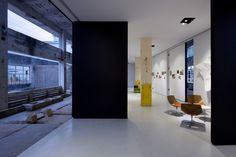 Z Gallery / O-OFFICE Architects