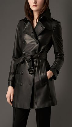 Explore all women's clothing from Burberry including dresses, tailoring, casual separates and more in both seasonal and runway designs Burberry Trench Coat, Burberry Jacket, Leather Trench Coat, Long Leather Coat, Black Leather, Winter Coats Women, Coats For Women, Leather Jackets For Sale, Blazers