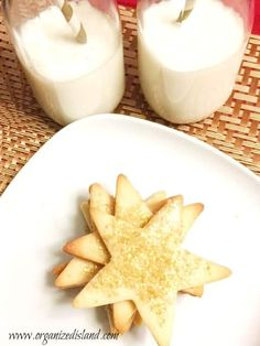 This award sugar cookie recipe is a perfectly crisp and thin sugar cookie. No need for icing but perfect when topped with sugar sprinkles. Rolled Sugar Cookie Recipe, Christmas Sugar Cookie Recipe, Drop Sugar Cookies, Roll Cookies, Easy Cookie Recipes, Sugar Cookies Recipe, Cookie Bars, Christmas Cookies, Christmas Treats