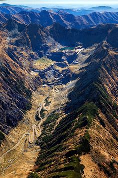 Transfagarasan mountain highway, Romania. www.romaniasfriends.com