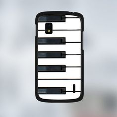 A piano back-case to give a cool look to your nexus 4 <3