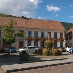 Centre du village Place de la Mairie de Châtenois