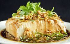 This Chinese steamed tofu will be your go-to recipe when you're in a hurry to prepare something for lunch or dinner. Tofu Dishes, Vegetarian Side Dishes, Vegetarian Recipes, Cooking Recipes, Healthy Recipes, Healthy Meals, Cooking Tips, Healthy Food, Yummy Food