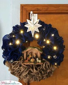 Check out our pick of Christmas door decorations! We have all sorts of Christmas door wreaths, so you will definitely be able to find the best one.