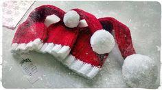 Knitting Christmas Hats for Babies :)