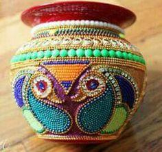 Kalash Decoration, Thali Decoration Ideas, Festival Decorations, Wedding Decorations, Clay Crafts, Arts And Crafts, Acrylic Rangoli, Wedding Symbols, India Crafts