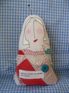 pin cushion :: lavinia loves to watch the birds by hens teeth, via Flickr
