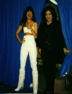 Love this picture of Selena and Suzette