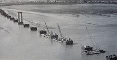 1974 Construction du pont de Saint Nazaire les premiers pieux