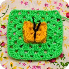 closet for crocheted napkin: مربع كروشية مع فراشة.granny with butterfly