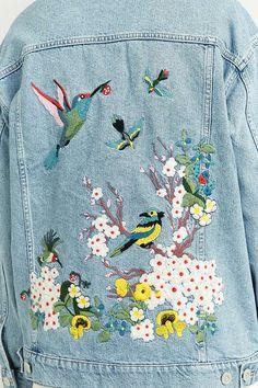 Slide View: 3: BDG - Veste en jean avec oiseau brodé bleu clair