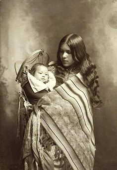 A mother and child. 1902. Source - New York Public Library