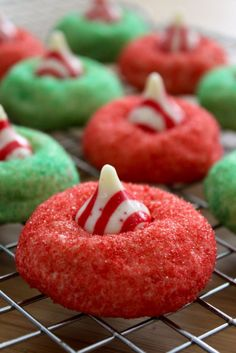 Candy cane blossoms - 24 Sweet and Tasty Christmas Cookie Recipes