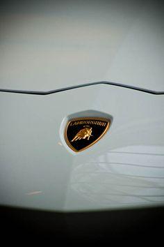 209 Best Car Logos Lettering Images Car Logos Vehicles Bugatti
